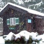schneefall huettenzauber